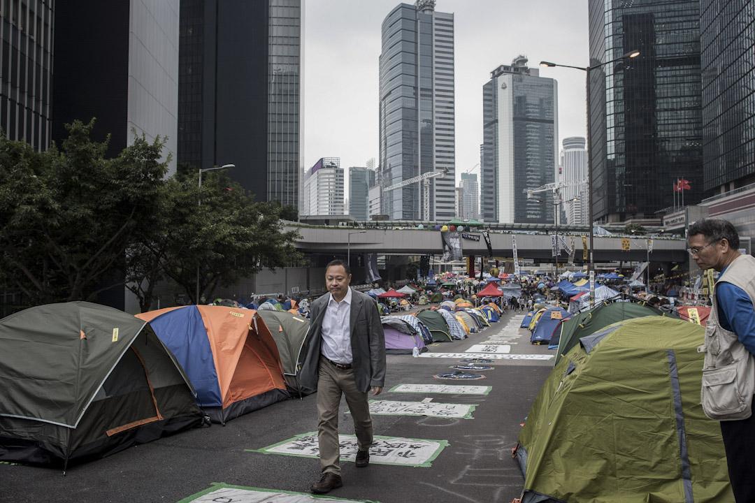 2014年11月4日,佔中發起人戴耀廷在金鐘佔領區。 攝:Philippe Lopez/AFP/Getty Images