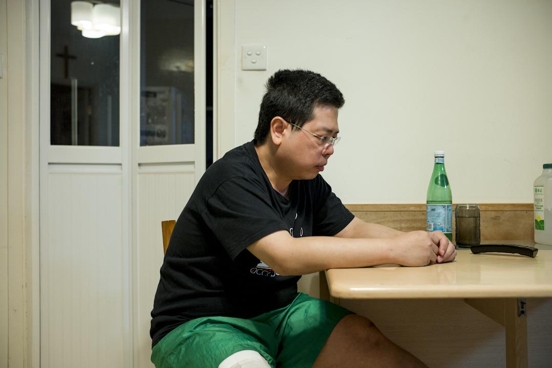 林子健回想他被擄前後的24小時,於一個半小時的採訪中,多次表示:「我不是英雄,我真的不想再高度參與政治。」 攝:林振東/端傳媒