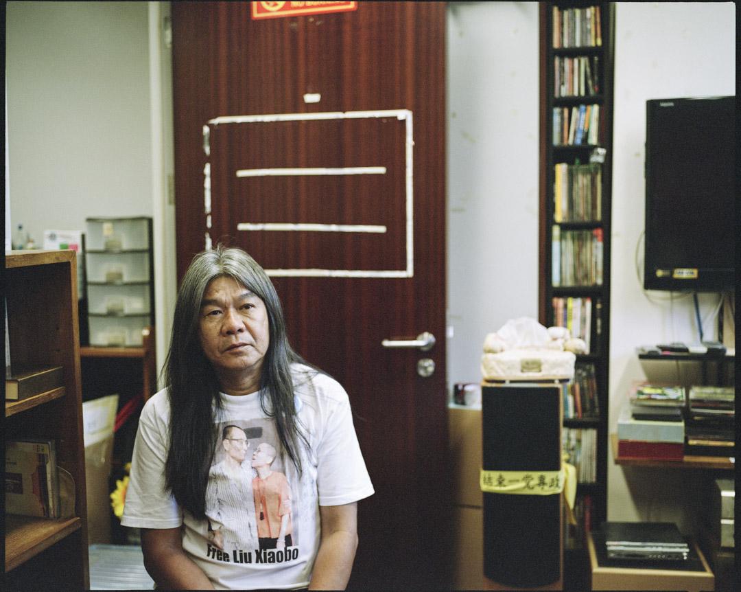 2017年7月24日,距離要遷出立法會大樓的日子還有四天,梁國雄的辦公室內仍有不少書籍及執拾中的痕跡。