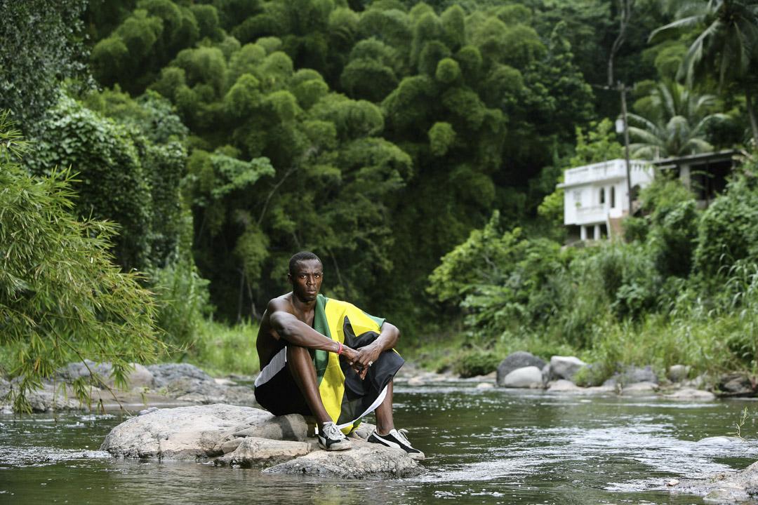 2006年10月19日,保特在家鄉牙買加首都金斯敦拍攝硬照。