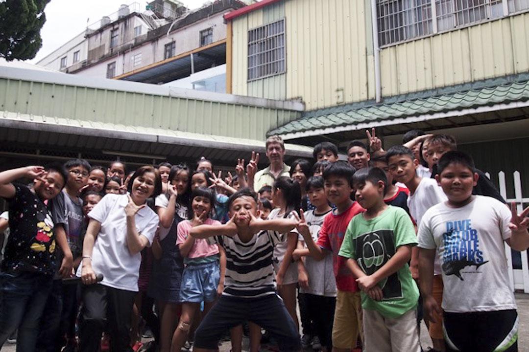 竹東高立良神父和他們的暑期夏令營。