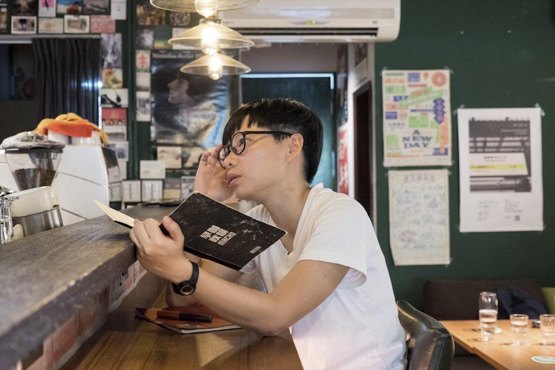 相約簡莉穎在捷運古亭站附近小巷裡的早秋咖啡訪問,是台北文青必定會造訪之處,它不趕人,開到午夜。
