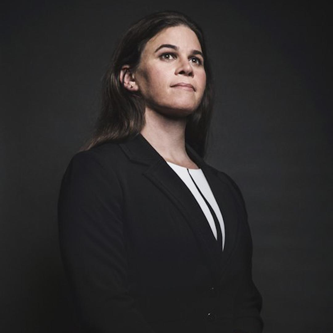 1997年參軍的Brynn Tannehill在服役期間完成了三次派駐海外戰場的任務。她在2010年離開軍隊開始改變性別,隨後成為關注跨性別軍人權益的組織SPARTA的初創成員之一。