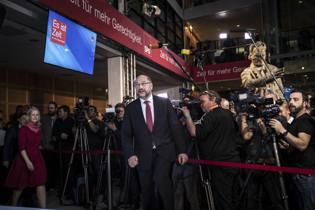 由舒爾茨領導的社會民主黨(SDP)得票只有20.5%,稱不會加入由基民盟籌組的保守派政府,將在德國聯邦議會內成為反對派。舒爾茨又承認,選舉結果顯示社會民主黨遭遇歷史性挫折。