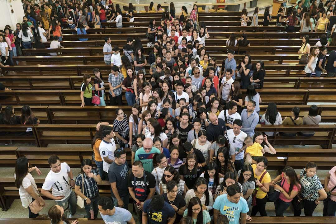 北大堂的英語彌撒的服務。起初,每週日約有700人的群聚;到現在,每週日必須舉辦兩梯次英語彌撒,往往在第一梯次,教堂就會爆滿,一滿座就有2000人。