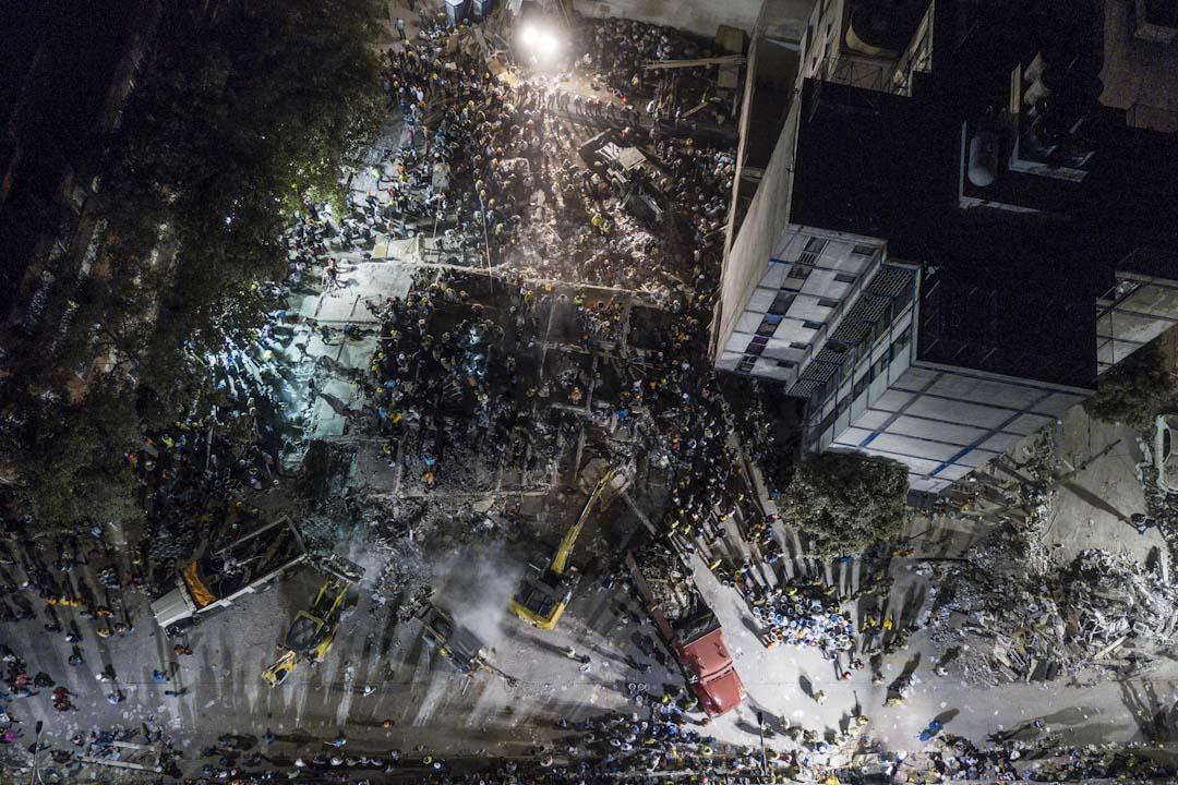 2017年9月19日,墨西哥首都墨西哥城發生7.2級地震,多棟建築物倒塌,市內電力供應亦暫停。