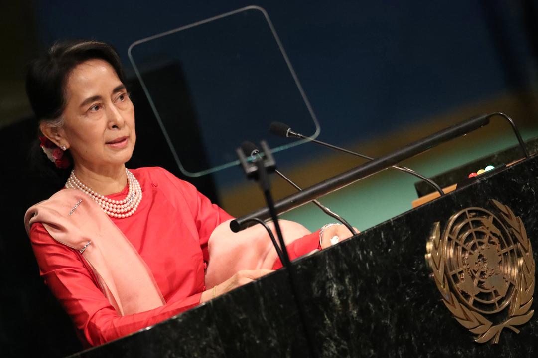 近日因若開邦羅興亞族問題而飽受批評的緬甸國務資政昂山素姬,宣布取消出席聯合國大會。圖為去年9月,昂山執掌緬甸政權以來首次出席聯合國大會,並發表演說。 攝:Carlo Allegri / Reuters