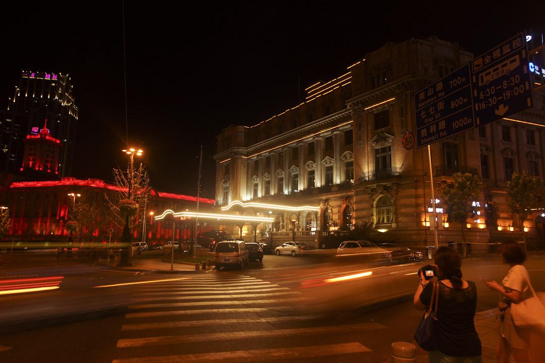 位於大連中山廣場旁的大連賓館,建於1909年,原名「大和旅館」。 攝:陳嘯軒