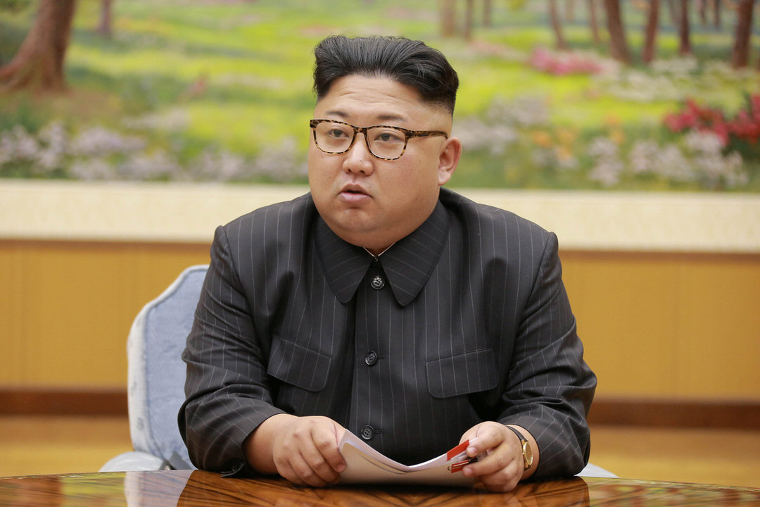 9月3日,北韓領導人金正恩與勞動黨高層商討氫彈試爆。 攝:Reuters via KCNA