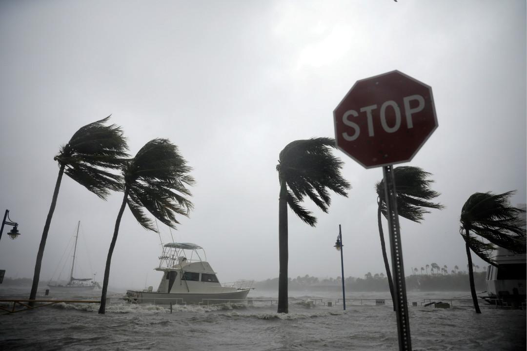 9月10日,颶風「艾爾瑪」(Irma)吹襲美國佛羅里達州南部的邁阿密。 攝:Carlos Barria/Reuters