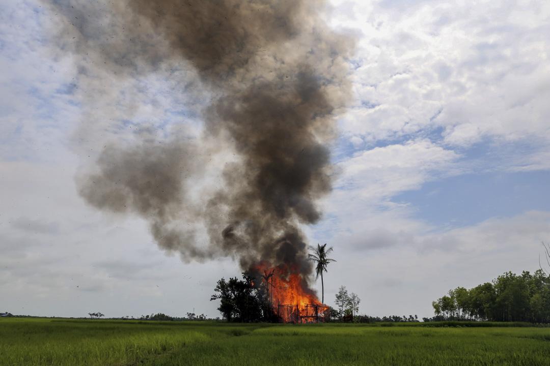 2017年9月7日,,緬甸若開邦北部的茂德鄉Gawduthar村被燒毀。