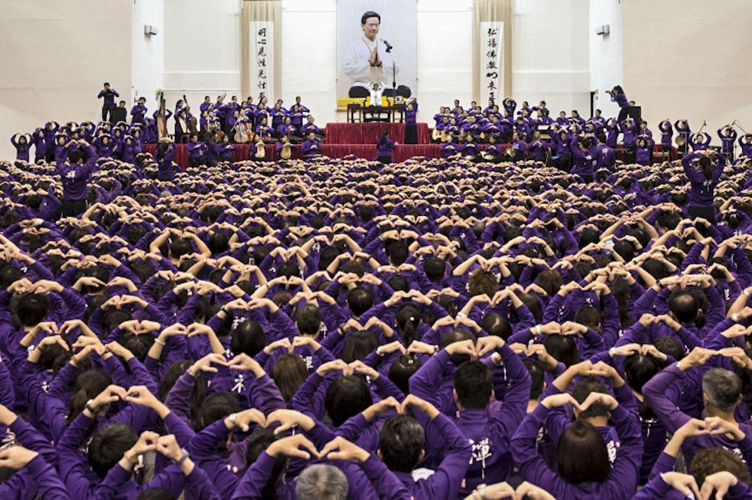 台灣「佛教如來宗」創始人妙禪為弟子加持與渡化。 圖:佛教如來宗官網