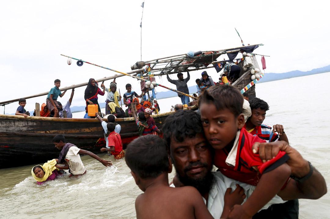 2017年9月10日,羅興亞難民穿過緬甸邊界,到達孟加拉灣。 攝:Danish Siddiqui /Reuters