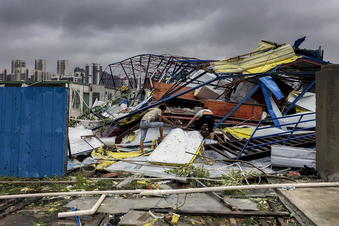 2017年8月23日,颱風「天鴿」登陆珠海,造成市內滿目瘡痍。 攝:VCG/VCG via Getty Images