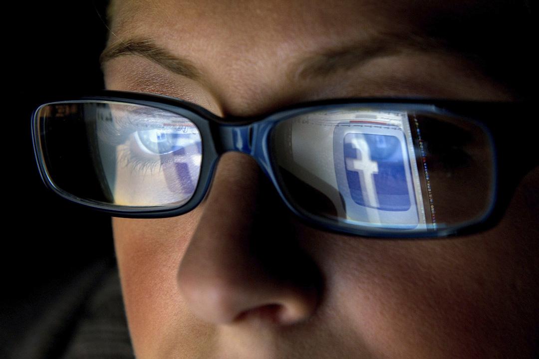 由個人資料衍生的創意,無論是開發工具來解決自然災害,或是幫助公司製造更智能的產品,均取決於人們的信任。建立和維持信任的最有效途徑就是建立高效的透明度,並讓人們控制個人資料,這些都是Facebook考量的事情。 攝:David Paul Morris/Bloomberg via Getty Images