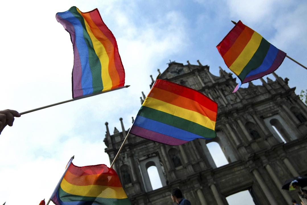 2013年的國際不再恐同日,澳門彩虹在澳門地標大三巴前辦的彩虹快閃。 圖:受訪者提供