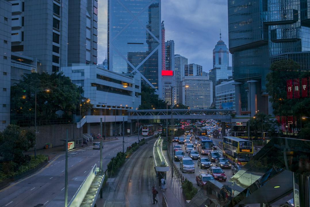 2017年,回歸二十年,香港再無自信覺得可以影響中國,反過來只會憂慮受中國影響。 攝:林振東/端傳媒