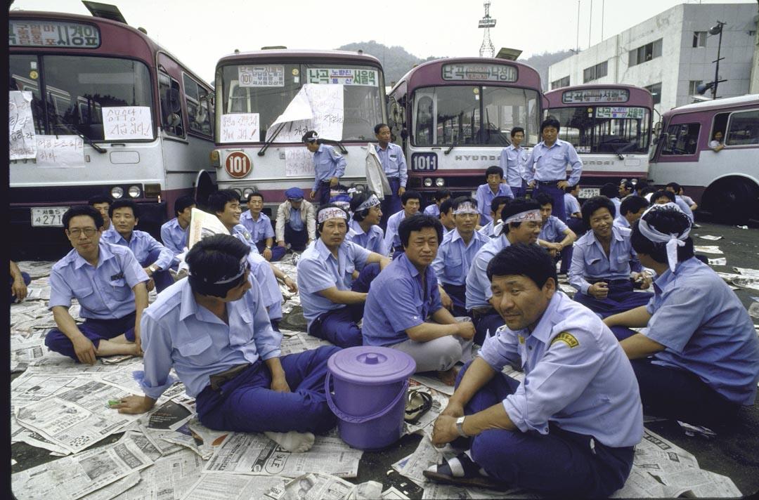 1987年,參與社運的工人。