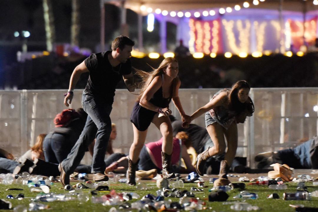 10月1日晚,美國內華達州拉斯維加斯發生近年來最大規模槍擊案。 攝:David Becker/Getty Images