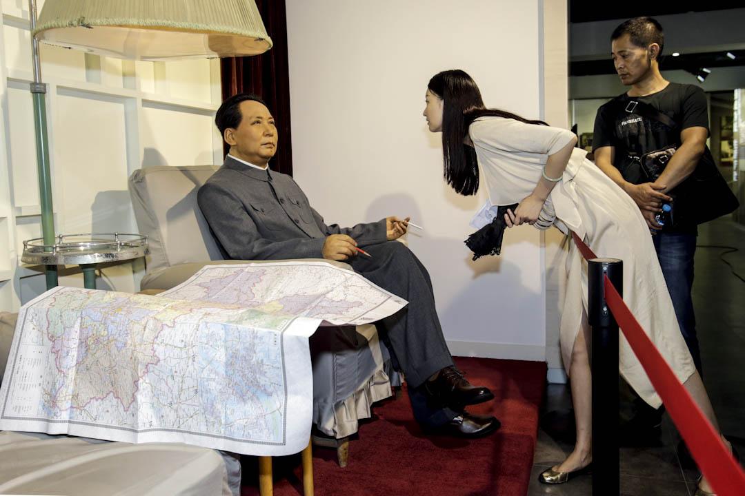 東湖賓館位於梅嶺1號,是毛澤東晚年工作和生活過的地方。