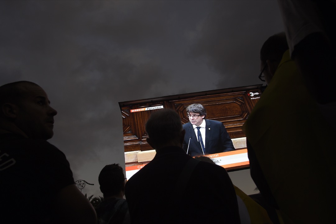 「無國界記者」發表了題為《尊重加泰隆尼亞媒體》的報告,詳細記錄很多外媒記者的投訴,說加泰隆尼亞政府以及獨立運動分子在日常工作以及社交媒體上,對記者進行過分騷擾。