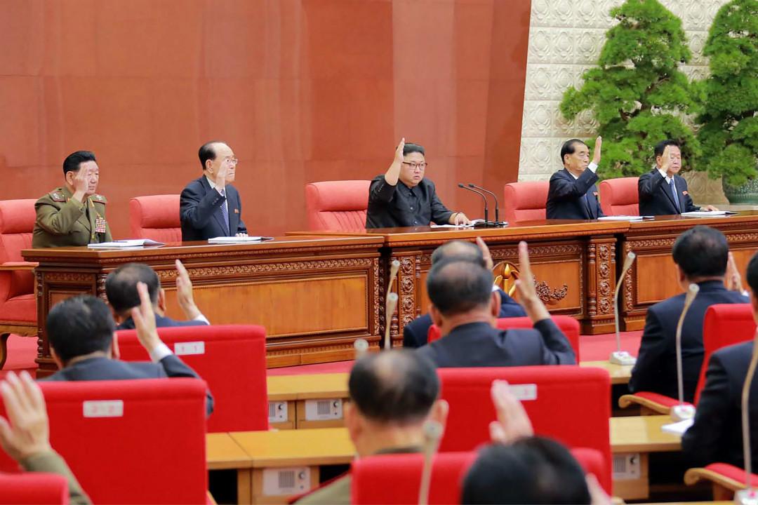 2017年10月7日,北韓領導人金正恩出席勞動黨第七屆中央委員會第二次會議。 攝:Getty Images