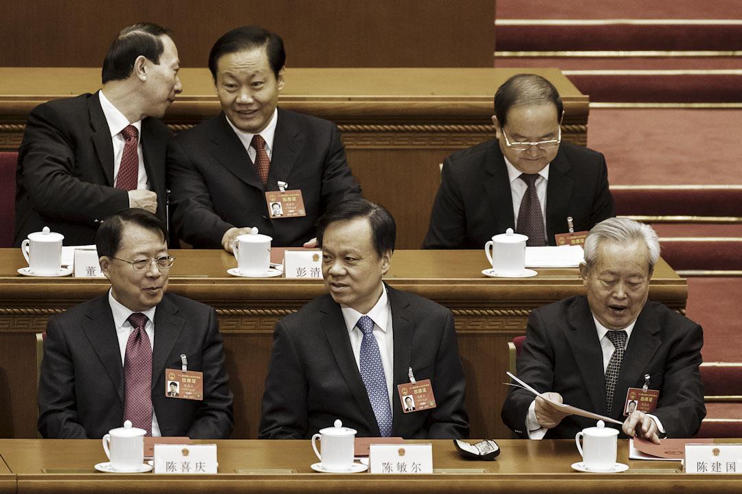 2017年3月15日,時任貴州省委書記的陳敏爾出席全國人大常委會閉幕式。同年7月15日,接替孫政才出任重慶市委書記。