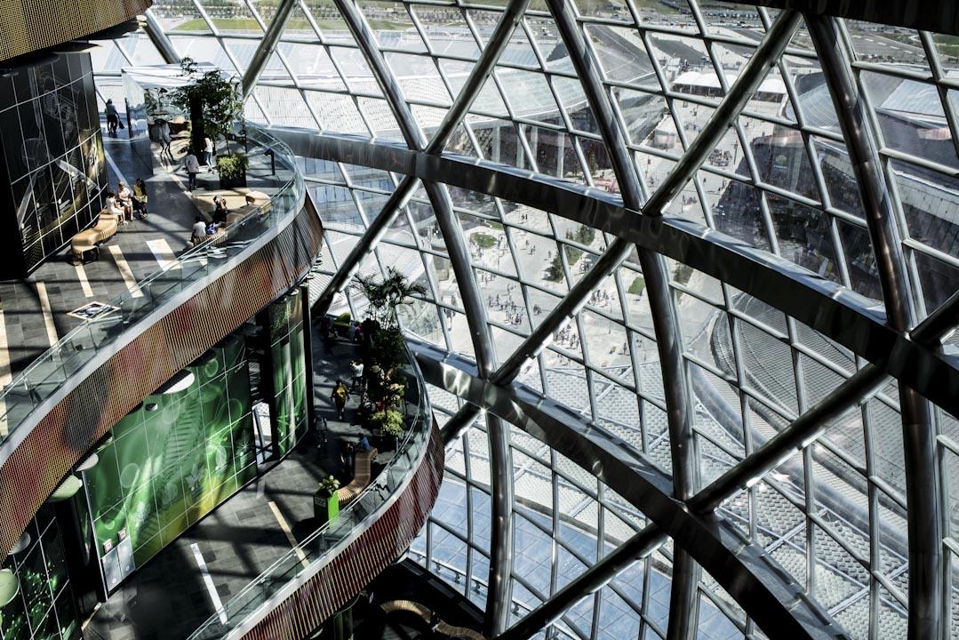 2012年11月22日,阿斯塔納以「未來能源」主題,贏得2017年專業型世博的舉辦權。圖為東道主哈薩克的展館的室內風景。 攝:Ann Wang/端傳媒