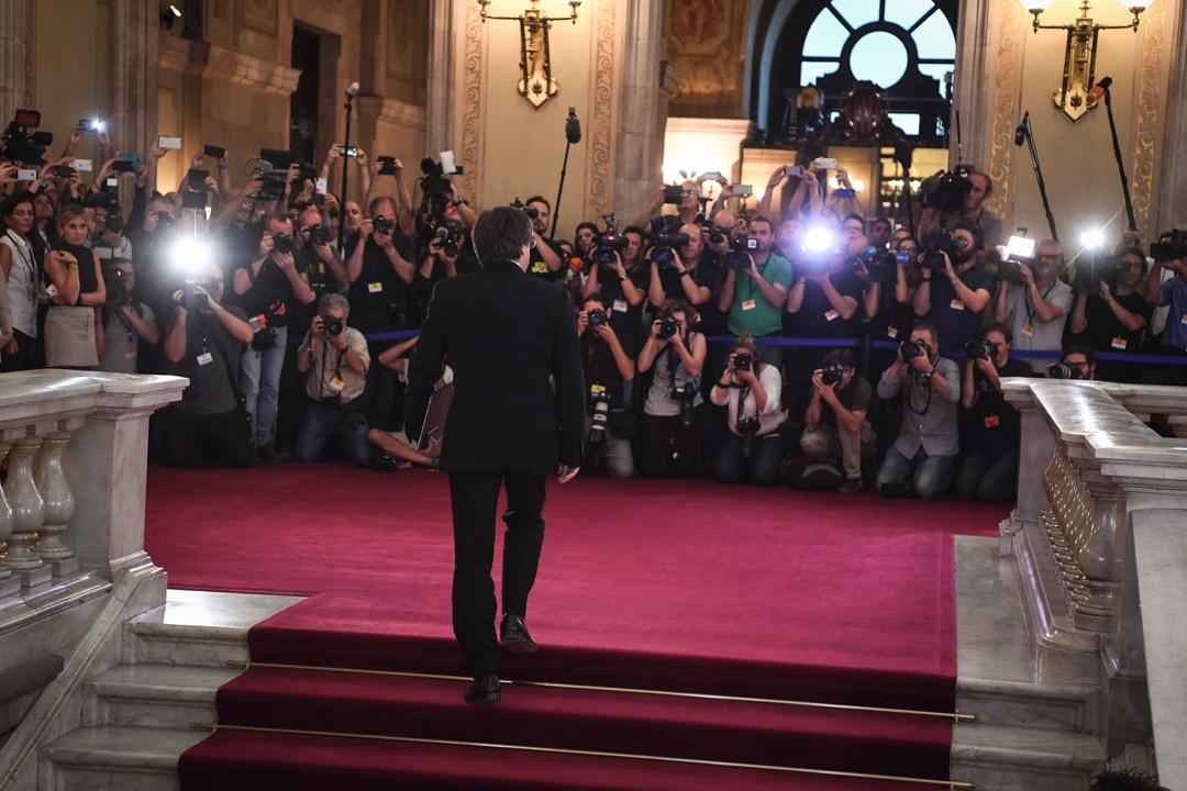 2017年10月10日,加泰隆尼亞總統普伊格蒙特到加泰隆尼亞國會大樓向國會發表講話。 攝:David Ramos/Getty Images