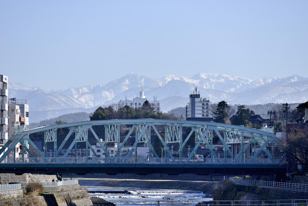 犀川大橋。 圖片來源:Wikimedia Commons