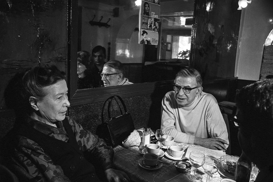 法國哲學家、小說家沙特(Jean-Paul Sartre)是著名法國哲學家、作家,存在主義哲學大師及二戰後存在主義思潮的領軍人物,被譽為二十世紀最重要的哲學家之一。其代表作《存在與虛無》是存在主義的巔峰作品。 攝: Jean-Pierre BONNOTTE/Gamma-Rapho via Getty Images