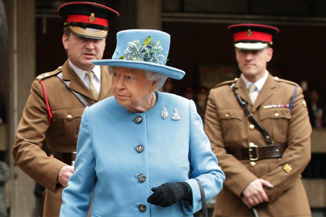 國際調查記者同盟(ICIJ)公開「天堂文件」(Paradise Papers),指英國女王個人投資涉間接持有高利貸公司。 攝:Yui Mok/Getty Images