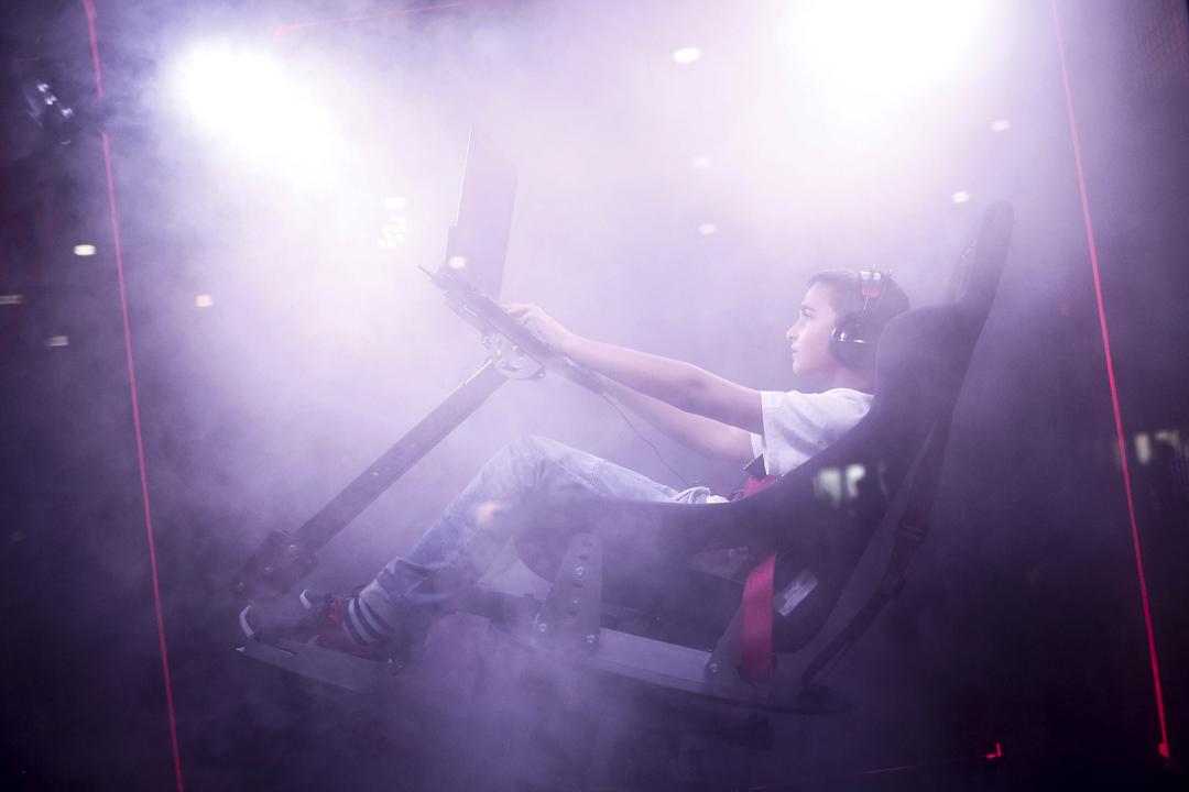 電競是指使用電子遊戲來比賽的體育項目。隨著遊戲對經濟、社會的影響力不斷壯大,電子競技正式成為體育競技的一種。 攝:Burak Akbulut/Anadolu Agency/Getty Images
