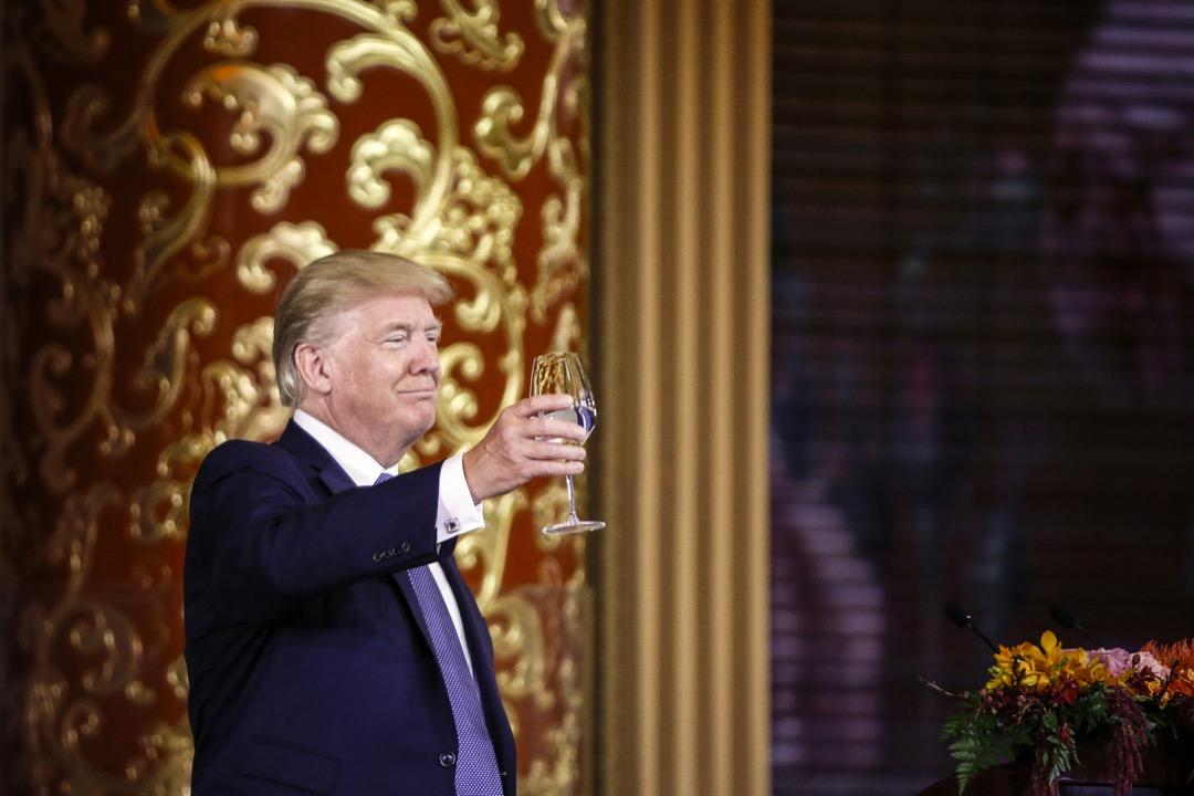 中美貿易中的幾個結構性問題並沒有解決,特朗普一直強調的「公平貿易」至今還是口頭宣洩,其主張的邊境調節稅,與聲言的將中國列為「貨幣操縱國」,更是無影無蹤。