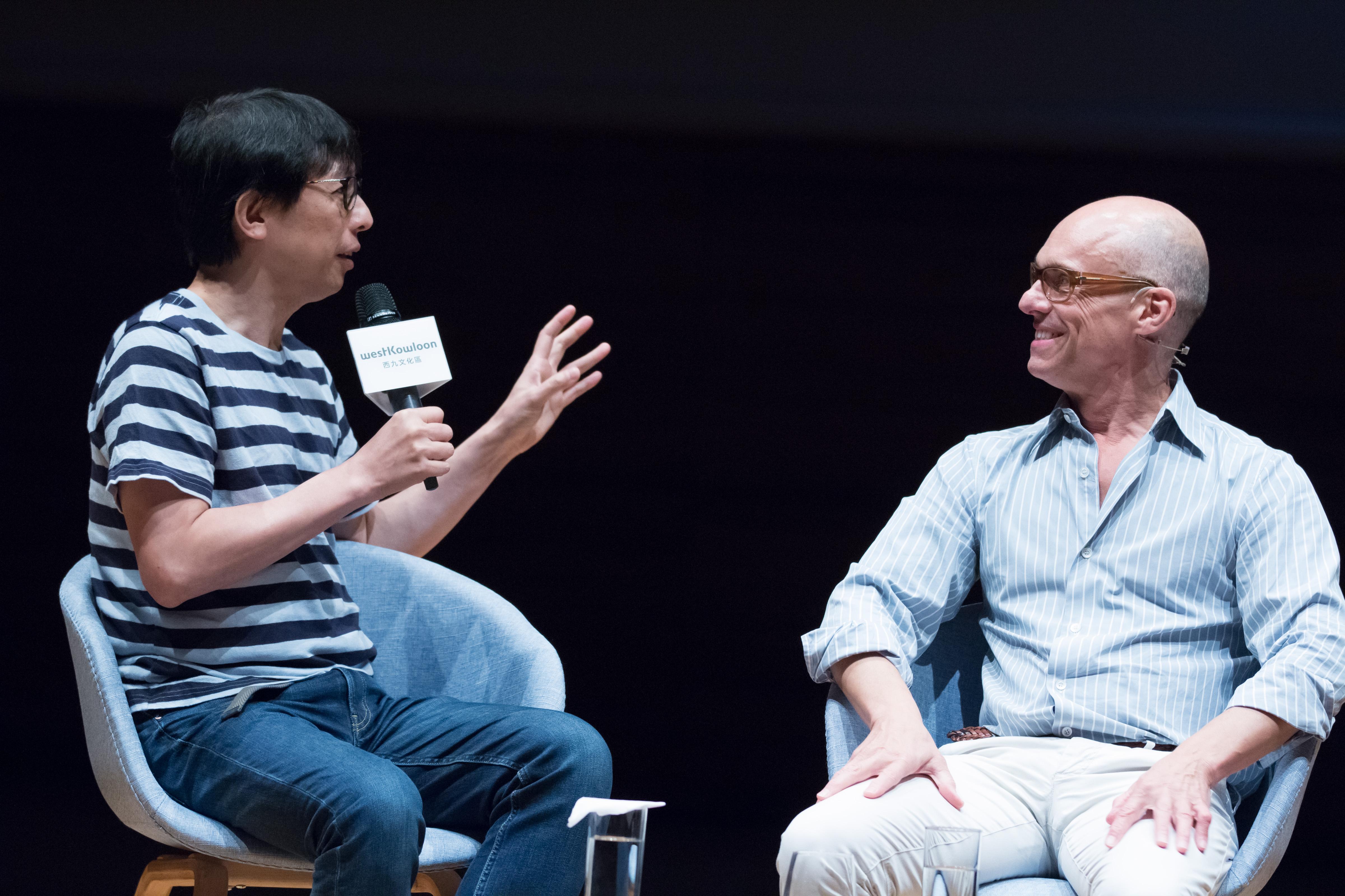 左:「非常林奕華」藝術總監林奕華 右:阿姆斯特丹劇團設計及攝影總監恩.瓦斯維費爾德(Jan Versweyveld)