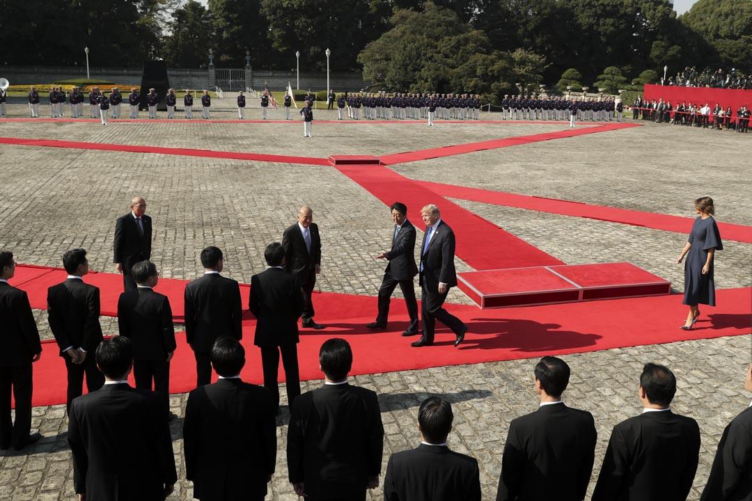 2017年11月6日,日本首相安倍晉三邀請美國總統特朗普在赤坂宮檢閱儀仗隊。