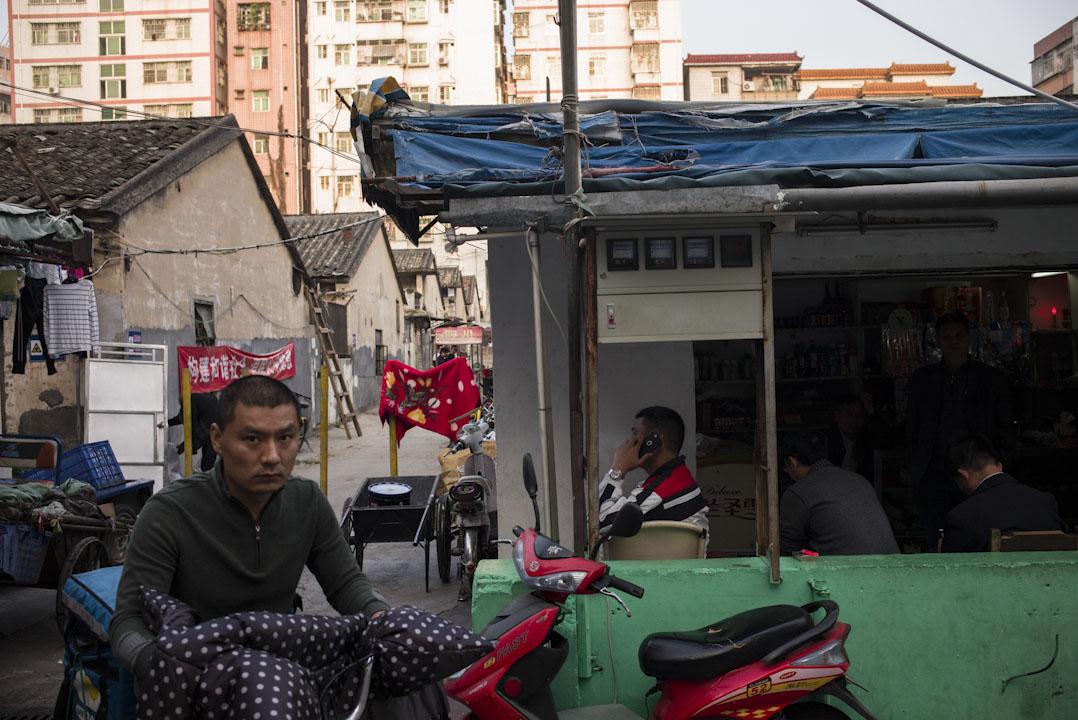 白石洲位於深南大道邊,是深圳最大的幾個城中村之一,它擁有幾乎深圳市區最集中最大規模的農民房。
