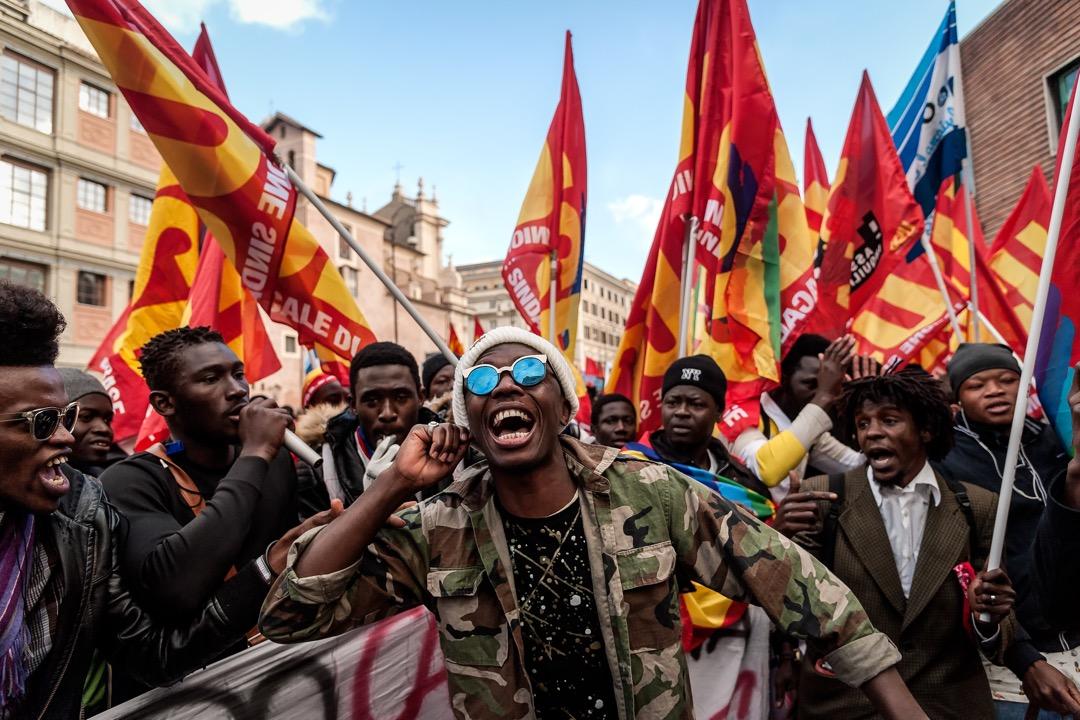 2017年12月16日,意大利首都羅馬,民眾參與名為「為權利而戰,權利無國界」的全國示威遊行。 攝:Stefano Montesi/Corbis/Getty Images