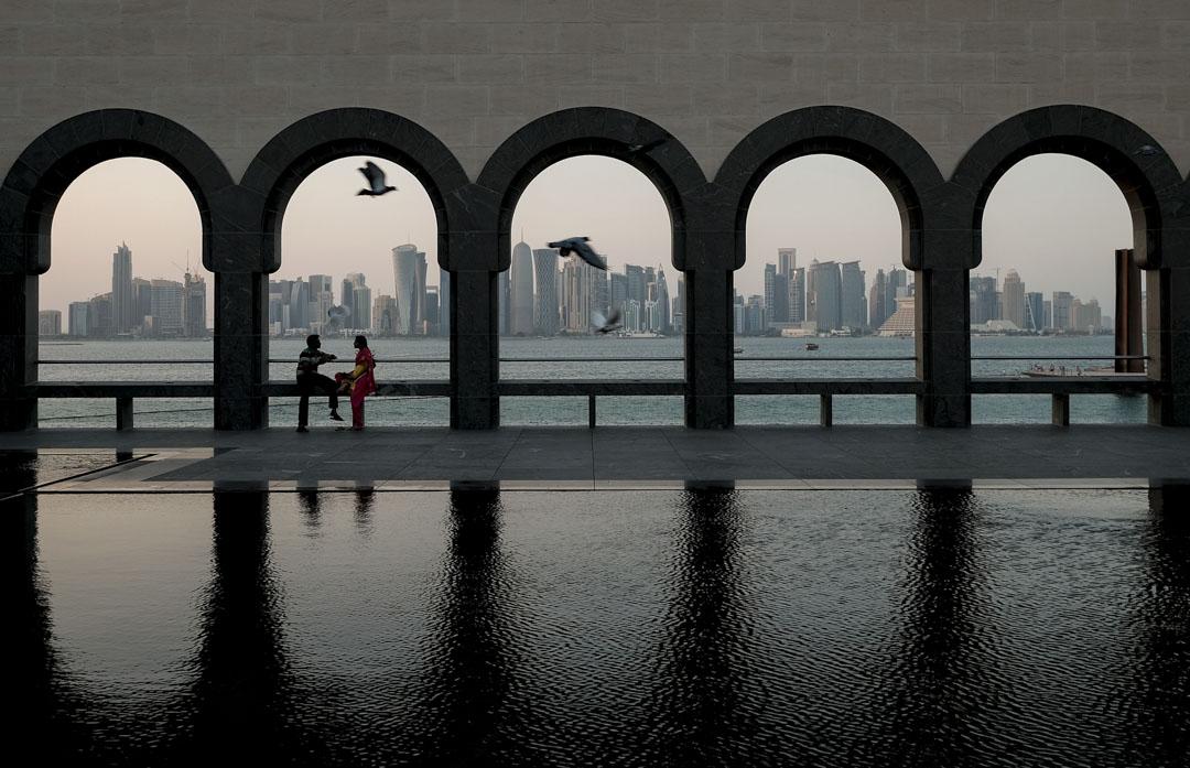 貝聿銘後期的部分作品裏,如2008年在卡達杜哈的「伊斯蘭藝術博物館」,顯現出積極與地域文化對話的嘗試。