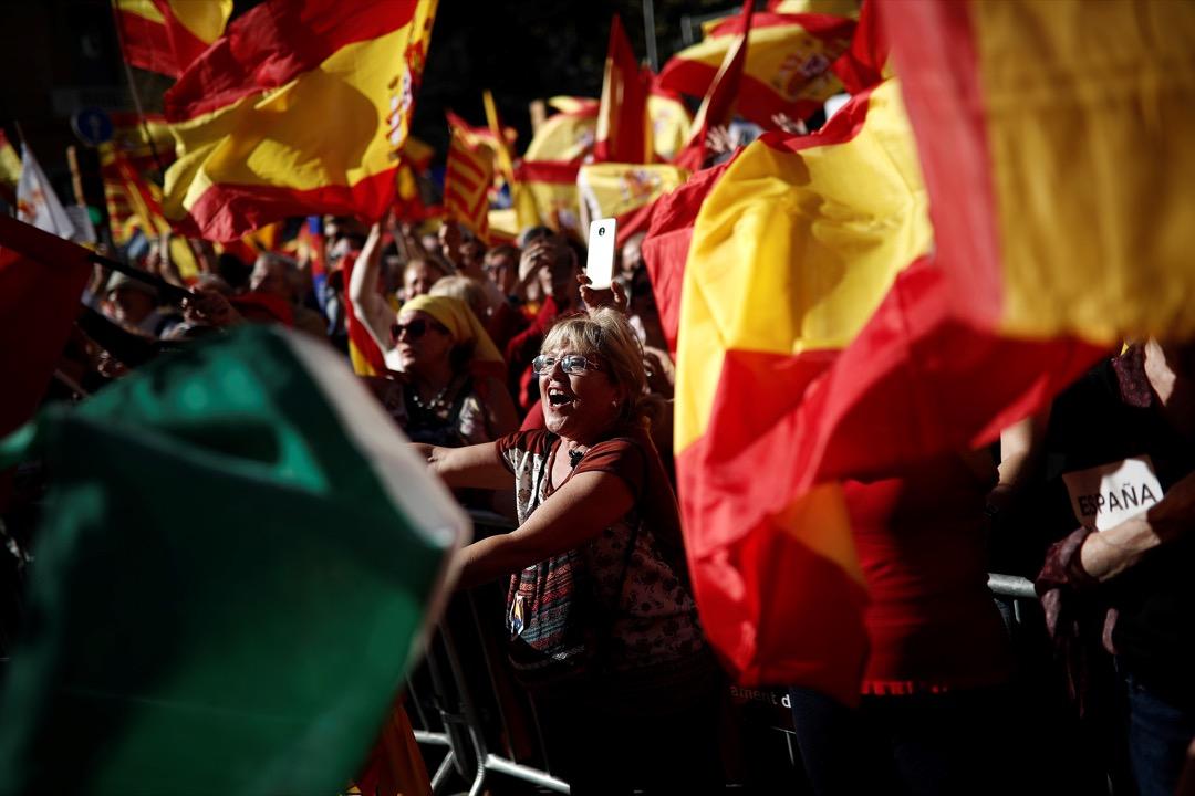 10月29日巴塞隆拿爆發大規模反獨立遊行,在這敏感時期,同日舉行的皇馬做客基羅納的西甲聯賽備受關注。