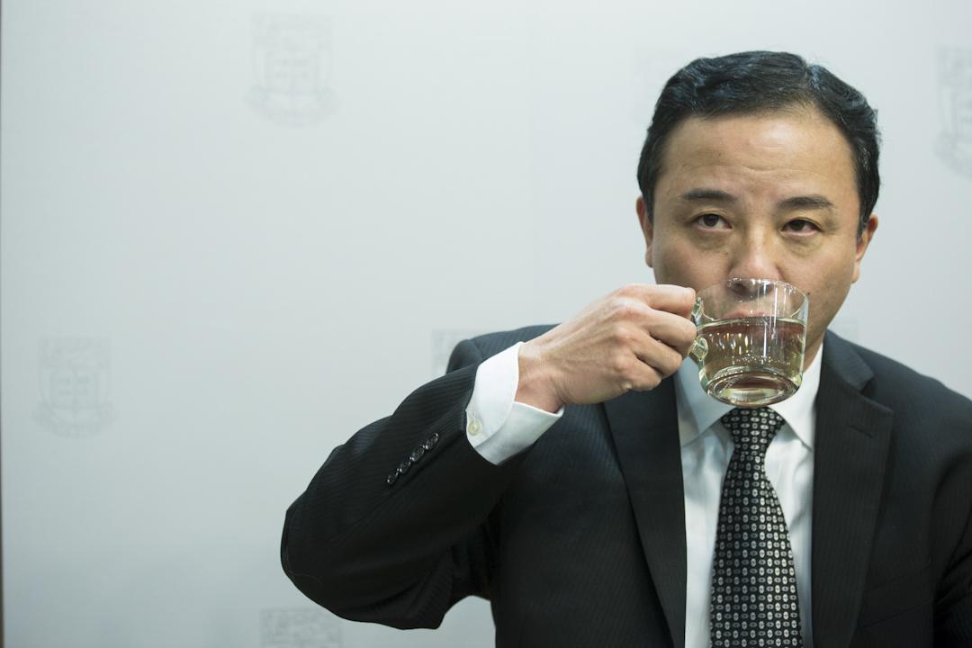 2017年12月15日傍晚宣布,港大校委會通過任命美國華裔學者張翔為港大第16任校長。