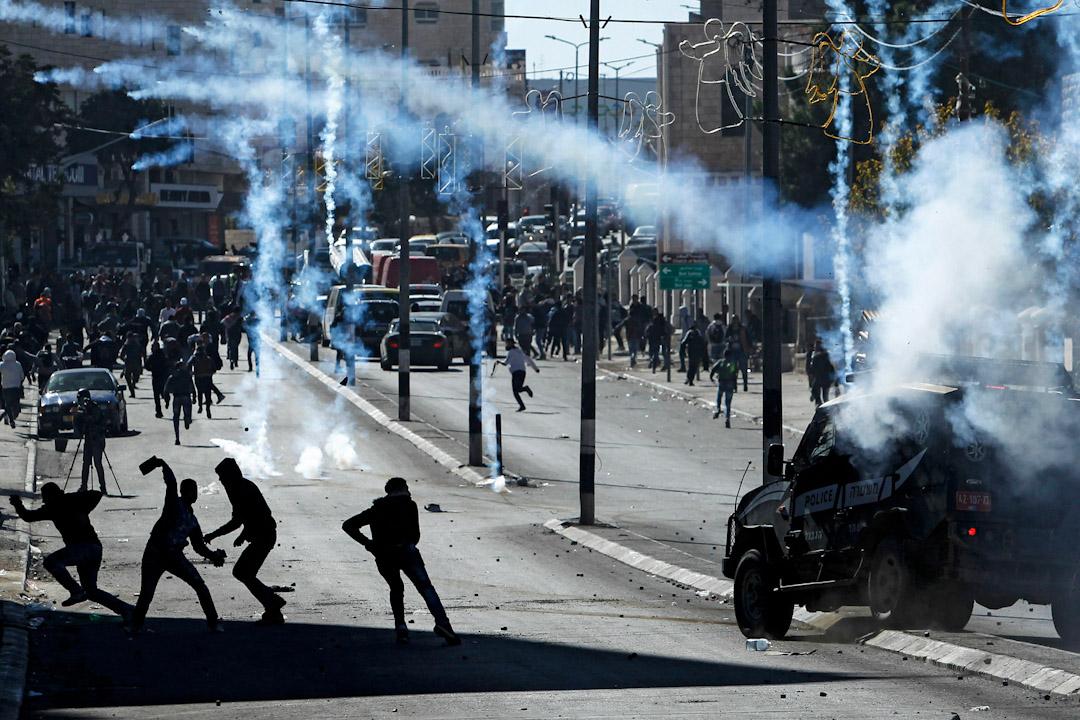 2017年12月9日,美國總統特朗普決定承認耶路撒冷為以色列首都之後,巴勒斯坦示威者在約旦河西岸城市伯利恆的一個以色列檢查站附近,與以色列軍隊發生衝突。