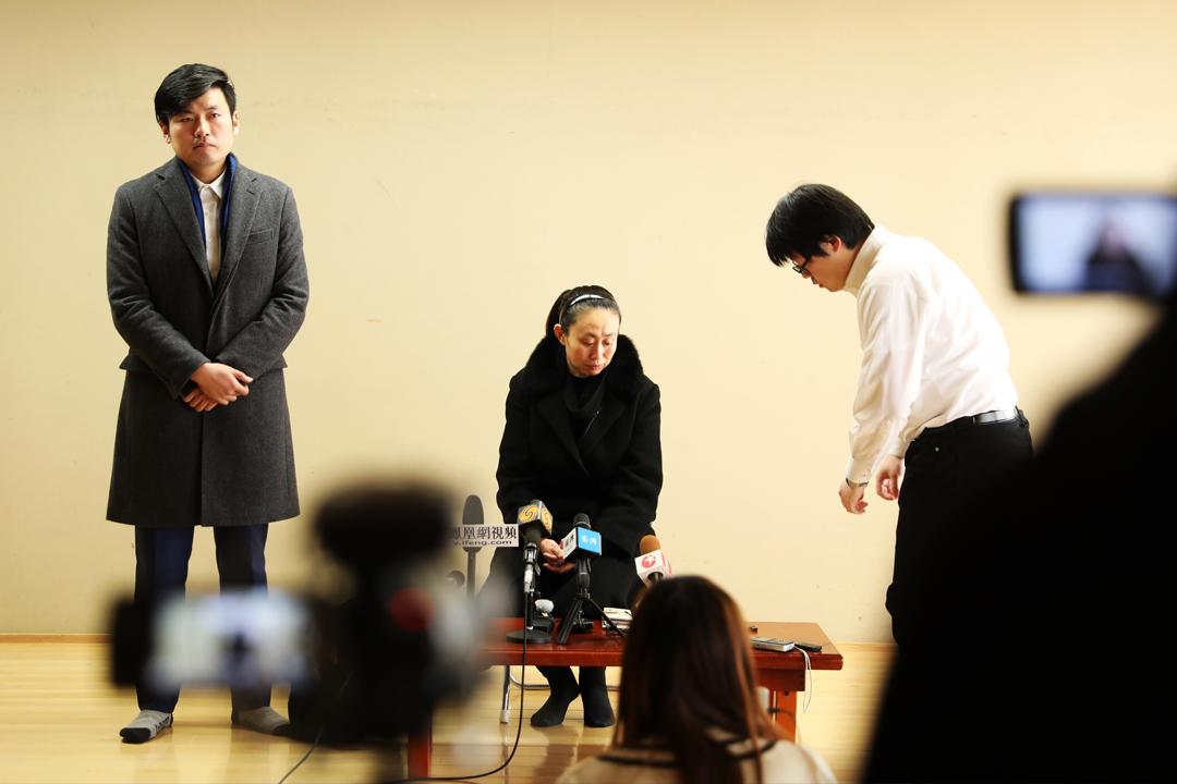 中國留學生江歌在日本被殺案,被告陳世峰被裁定故意殺人罪及恐嚇罪成,判囚20年。圖為12月10日,江歌的母親江秋蓮在東京池袋淺草公會堂接受媒體採訪。 圖片來源:東方IC
