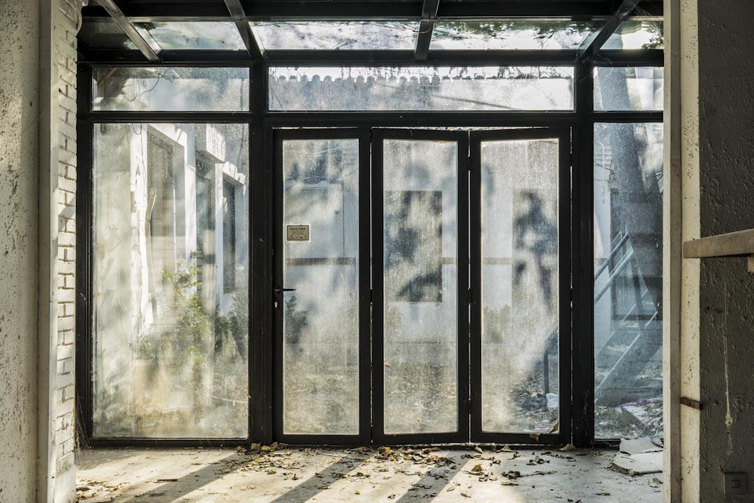 2017年,菊兒胡同的韓國料理店已經關門,四合院空了。