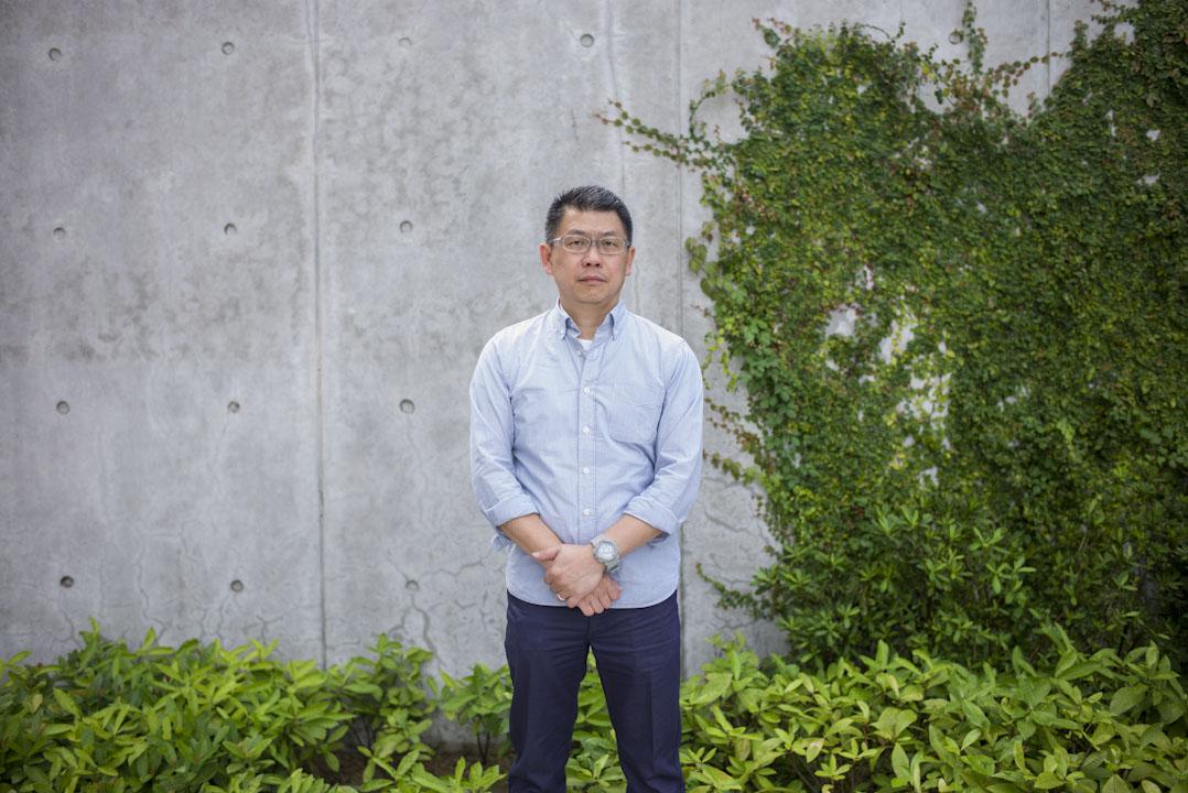 陳智聰在沙田的公共屋邨裡的津貼中學教了20多年之後決定離開校園、投身社會運動。現在時進步教師同盟成員。