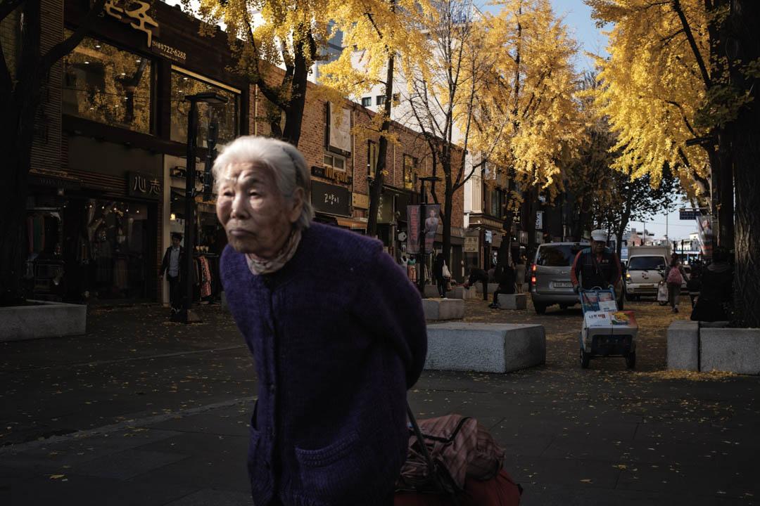 2016年,南韓首爾市政府著手處理「仕紳化綜合對策」,2017年起,優先以出現嚴重仕紳化的六個地區。圖為其中一個執行地區,著名的旅遊景點-仁寺洞。