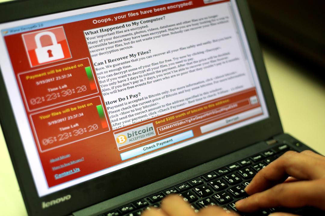 WannaCry 於今年5月肆虐全球,影響遍及150個國家的醫療系統、學校、銀行、企業等電腦網絡,逾30萬部公共或私人電腦被「上鎖」,受害用戶被要求支付贖金以換取重開檔案。  圖片來源:東方IC