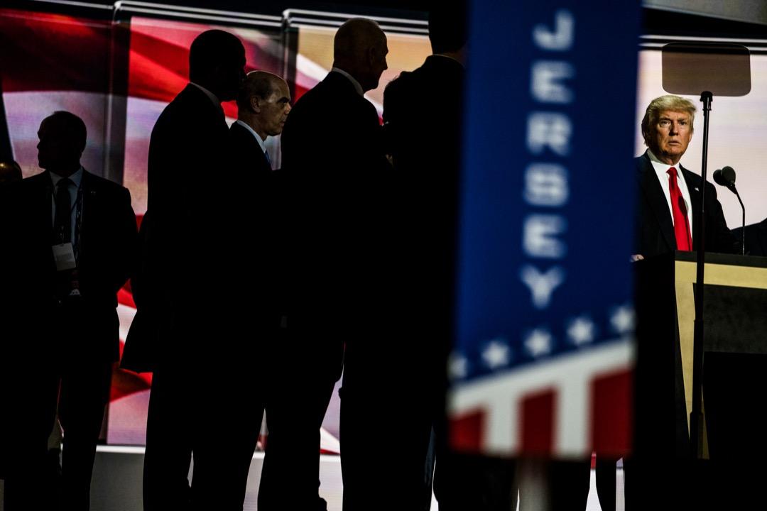 2016年共和黨初選是「建制右派」和「另類右派」之爭,特朗普的在初選和大選中勝出,似乎象徵着「另類右」一統天下的決定性勝利。 攝:Benjamin Lowy/Getty Images