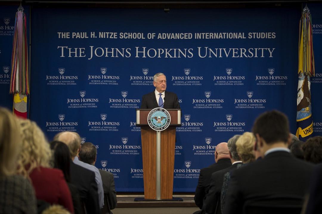 2018年1月19日,美國國防部長馬蒂斯在約翰霍普金斯高級國際研究學院,就最新的國防戰略發表演說。