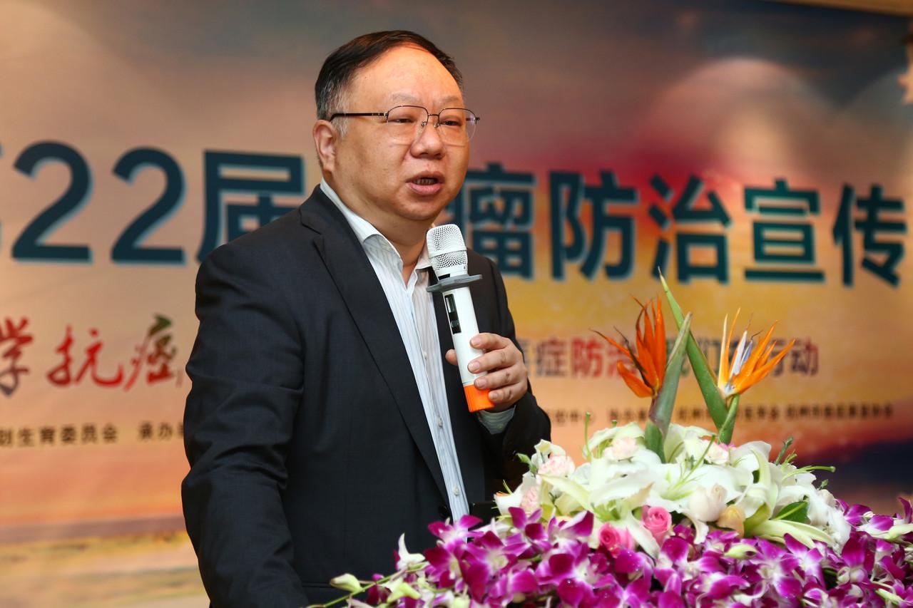 帶領杭州市腫瘤醫院的團隊試驗CRISPR基因編輯工具的吳式琇醫生。